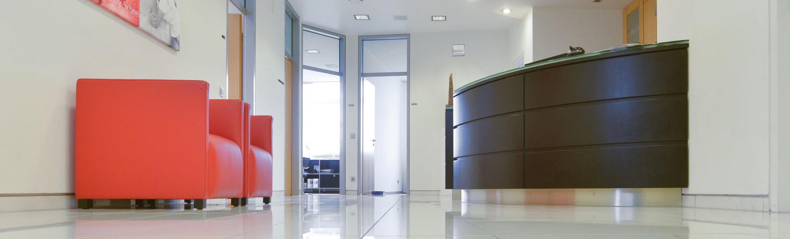 Eingangsbereich der Moser Klinik Bonn